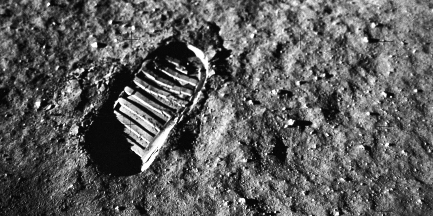 Lunar footprint